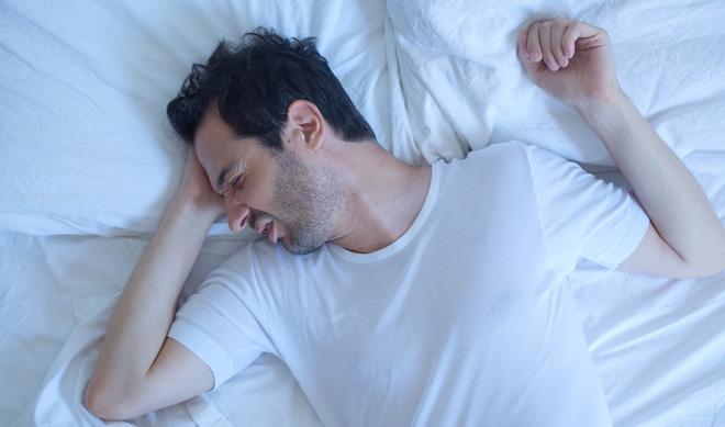 Vì sao cần phải kiêng 'chân hướng tây, đầu hướng đông' khi ngủ: Có căn cứ khoa học không? - Ảnh 2