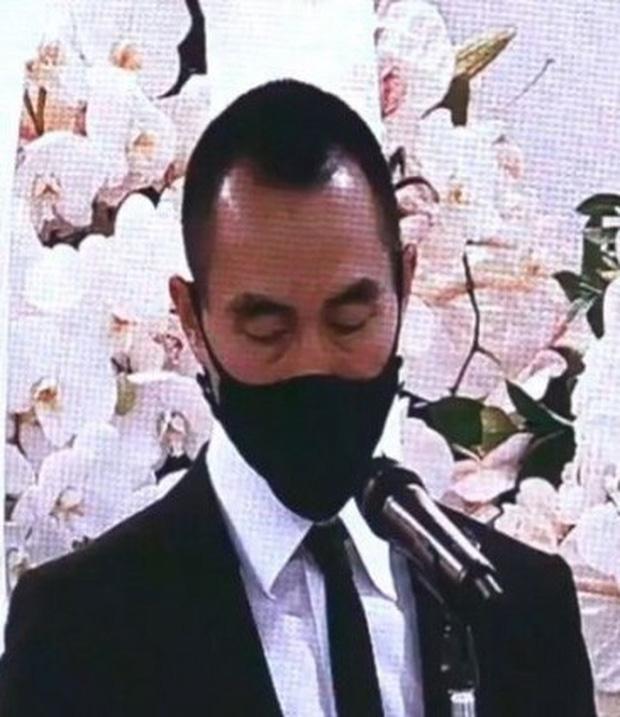 Diễn biến tang lễ trùm sòng bạc Macau: Vợ con khóc nức nở, bà Hai ngã bệnh nặng, ảnh hiếm của đại gia tộc được trình chiếu - Ảnh 1