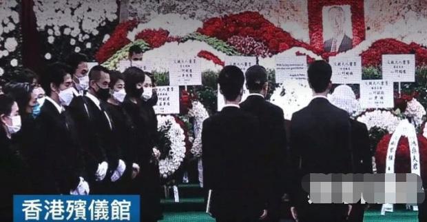Diễn biến tang lễ trùm sòng bạc Macau: Vợ con khóc nức nở, bà Hai ngã bệnh nặng, ảnh hiếm của đại gia tộc được trình chiếu - Ảnh 2