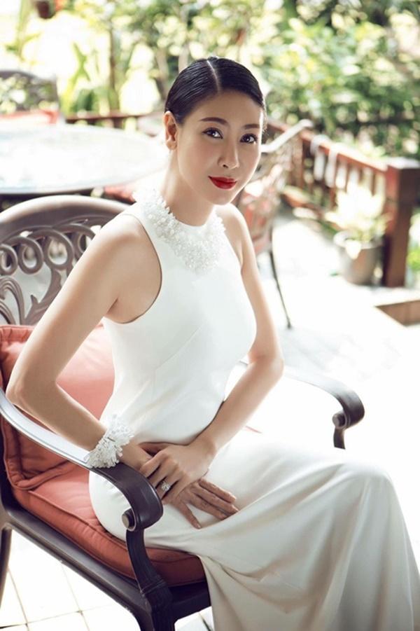 Hoa hậu thứ 3 của Việt Nam: Chỉ hạnh phúc sau loạt truân chuyên tình ái - Ảnh 3