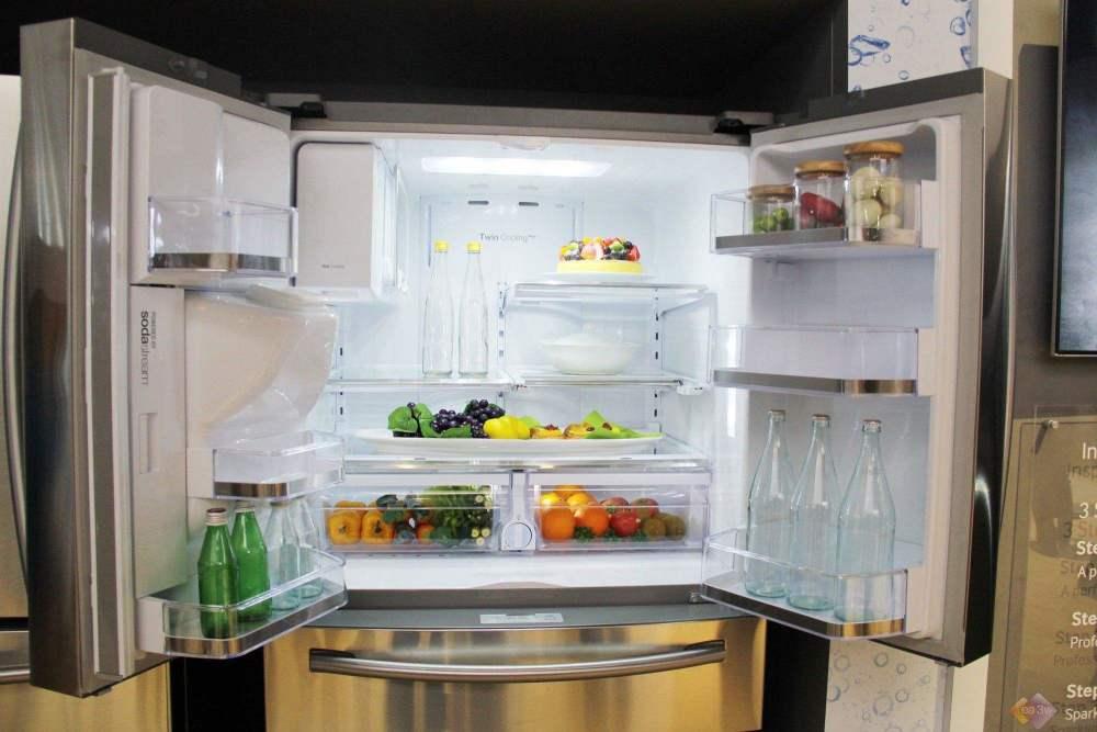 Tủ lạnh là vật dụng 'bẩn' số 1 trong nhà bếp: Có 3 thứ thà bỏ đi chứ đừng dại bảo quản kẻo gieo rắc ổ bệnh nguy hiểm - Ảnh 1