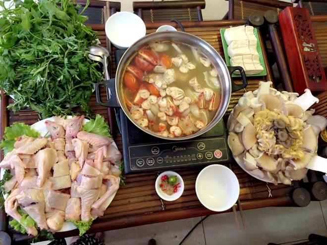 Cách nấu lẩu gà nấm thơm ngon hơn ngoài hàng cho bữa ăn cuối tuần thêm hấp dẫn - Ảnh 4