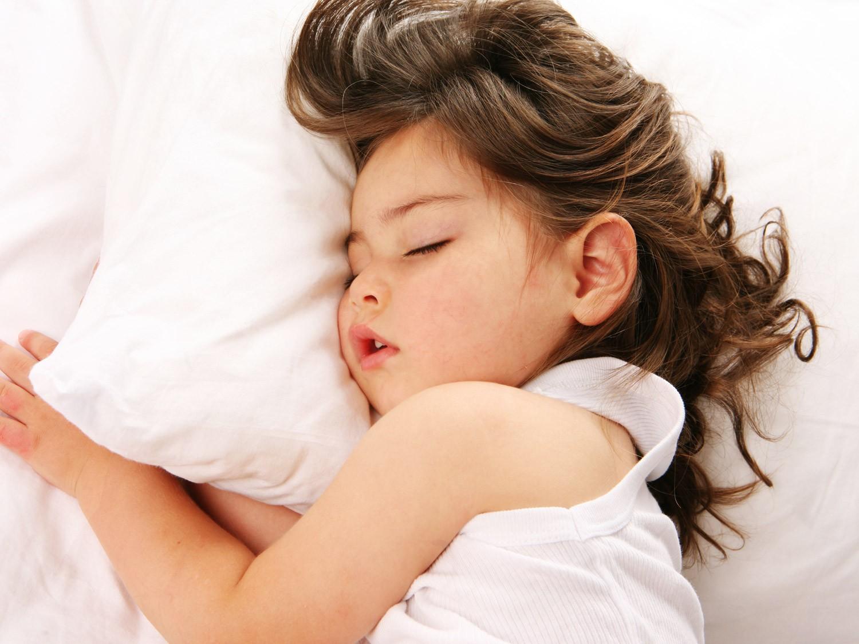 3 thói quen xấu của trẻ có thể khiến răng mọc lệch, cha mẹ cần sửa ngay kẻo muộn - Ảnh 2