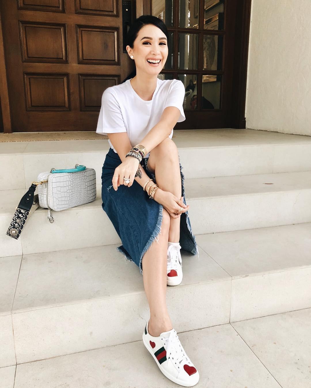 Vị phu nhân thượng nghị sĩ - bạn thân Hà Tăng có cách diện áo phông trắng rất sang xịn, nàng công sở nên học theo ngay - Ảnh 5