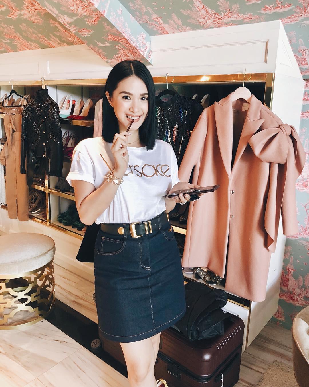 Vị phu nhân thượng nghị sĩ - bạn thân Hà Tăng có cách diện áo phông trắng rất sang xịn, nàng công sở nên học theo ngay - Ảnh 6