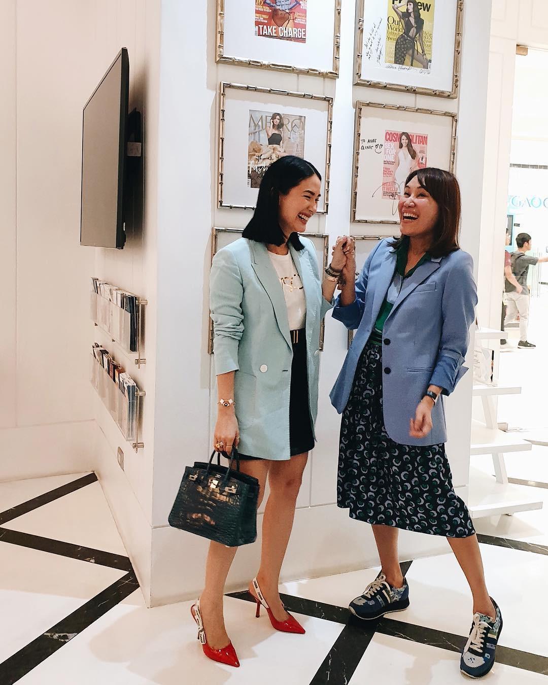 Vị phu nhân thượng nghị sĩ - bạn thân Hà Tăng có cách diện áo phông trắng rất sang xịn, nàng công sở nên học theo ngay - Ảnh 8