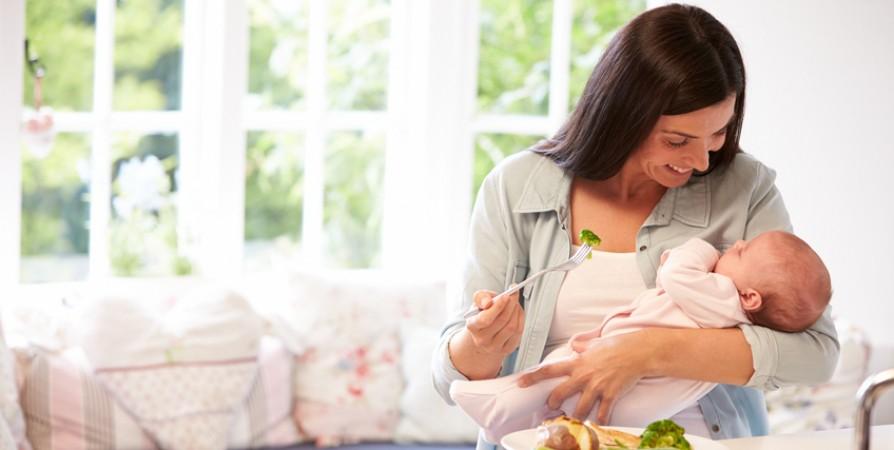 Cho con bú tưởng là việc đơn giản nhất trên đời nhưng vẫn có mẹ mắc phải những sai lầm kinh điển dưới đây - Ảnh 3