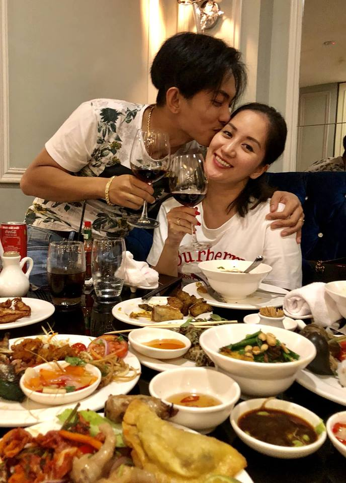 'Rụng tim' với khoảnh khắc Khánh Thi - Phan Hiển 'khóa môi' ngọt ngào như thuở mới yêu - Ảnh 3
