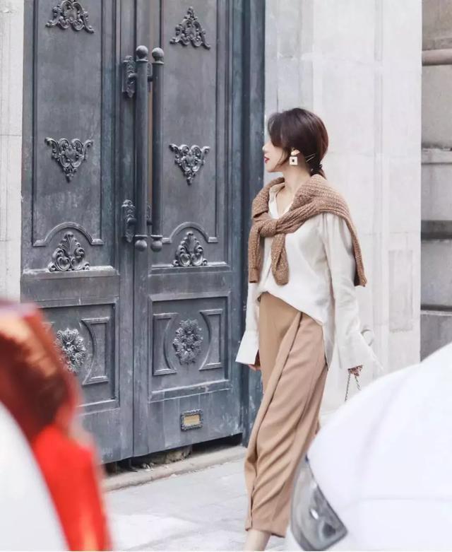 Hóa ra mốt mặc cardigan 'lấy lệ' của sao Hàn là học lỏm từ Công nương Diana - Ảnh 5