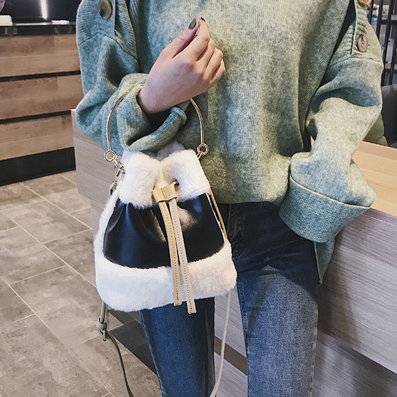 Túi rút - item 'độc-đẹp-tiện' cho nàng cá tính - Ảnh 4
