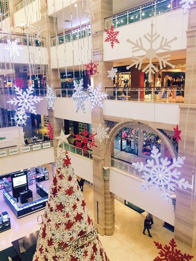 Không khí đậm chất Giáng sinh tại The Garden Hà Nội