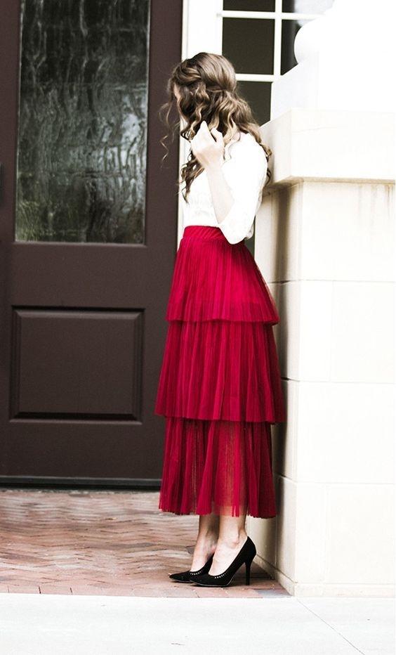 Muôn kiểu phối váy xếp tầng bồng bềnh cho nàng nữ tính - Ảnh 1