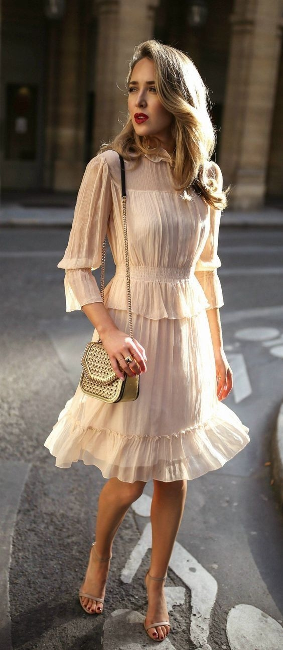 Muôn kiểu phối váy xếp tầng bồng bềnh cho nàng nữ tính - Ảnh 15