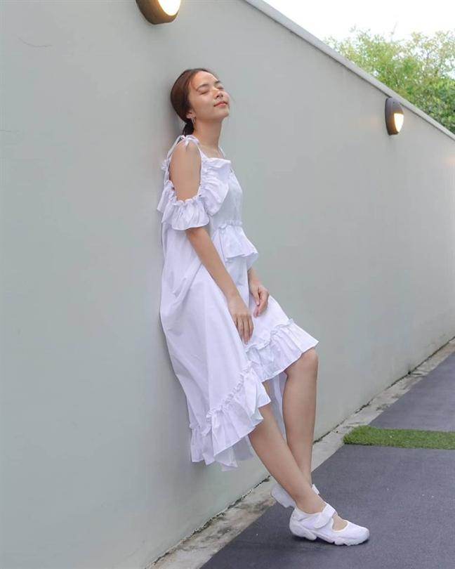 Muôn kiểu phối váy xếp tầng bồng bềnh cho nàng nữ tính - Ảnh 19