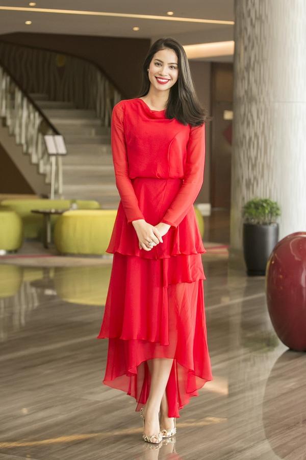 Muôn kiểu phối váy xếp tầng bồng bềnh cho nàng nữ tính - Ảnh 2