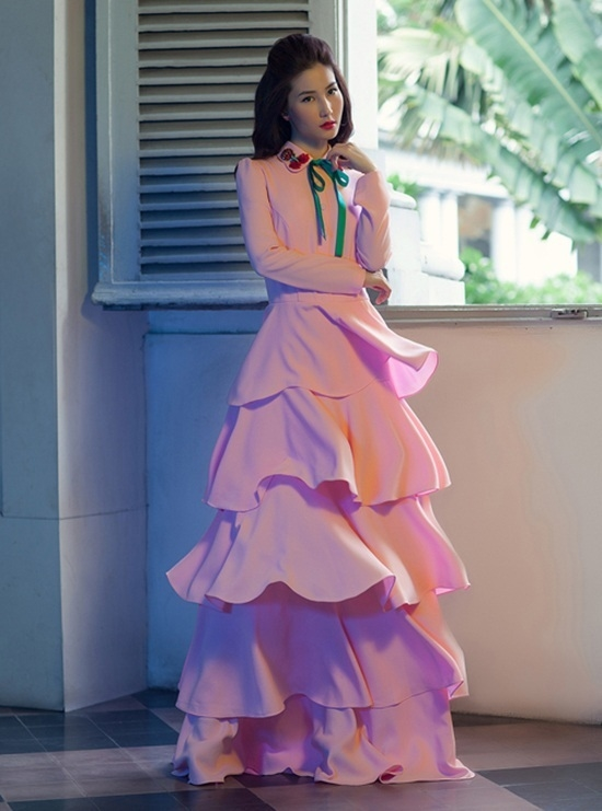 Muôn kiểu phối váy xếp tầng bồng bềnh cho nàng nữ tính - Ảnh 8