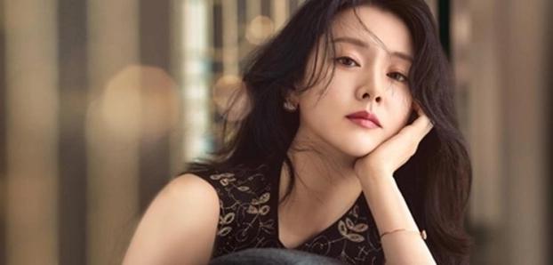 Lee Young Ae tiết lộ bí kíp 'trẻ mãi không già', giữ làn da hoàn hảo ở tuổi 48 - Ảnh 2