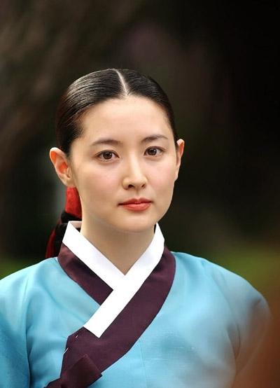Lee Young Ae tiết lộ bí kíp 'trẻ mãi không già', giữ làn da hoàn hảo ở tuổi 48 - Ảnh 6