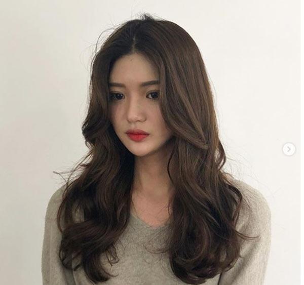 Đi đâu cũng thấy tóc ngắn, hãy làm bản thân nổi bật với kiểu tóc tỉa tầng, uốn xoăn bồng bềnh mà quý cô Hàn Quốc đang lăng xê này - Ảnh 10