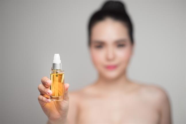 Xu hướng chăm sóc da mặt năm 2019: Dầu dưỡng da lên ngôi - Ảnh 1