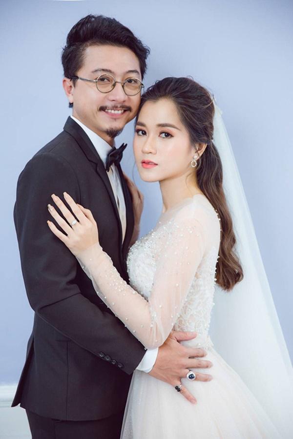 4 gia đình nghệ sĩ hài khiến cả Vbiz ghen tị vì hôn nhân như mơ - Ảnh 10