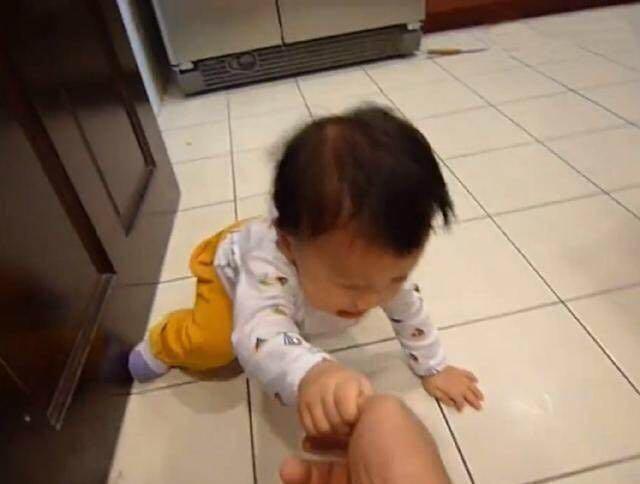 Bé 3 tuổi ăn vạ, mẹ ra tay xử lý, 1 tiếng sau im bặt và cách dạy con khiến phụ huynh tán thành - Ảnh 3