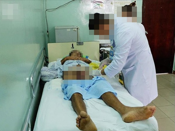 Bắt cá hai tay, cụ ông U60 bị tình trẻ cắt phăng 'của quý' vào dịp Tết, đến bệnh viện dọa cắt tiếp - Ảnh 1