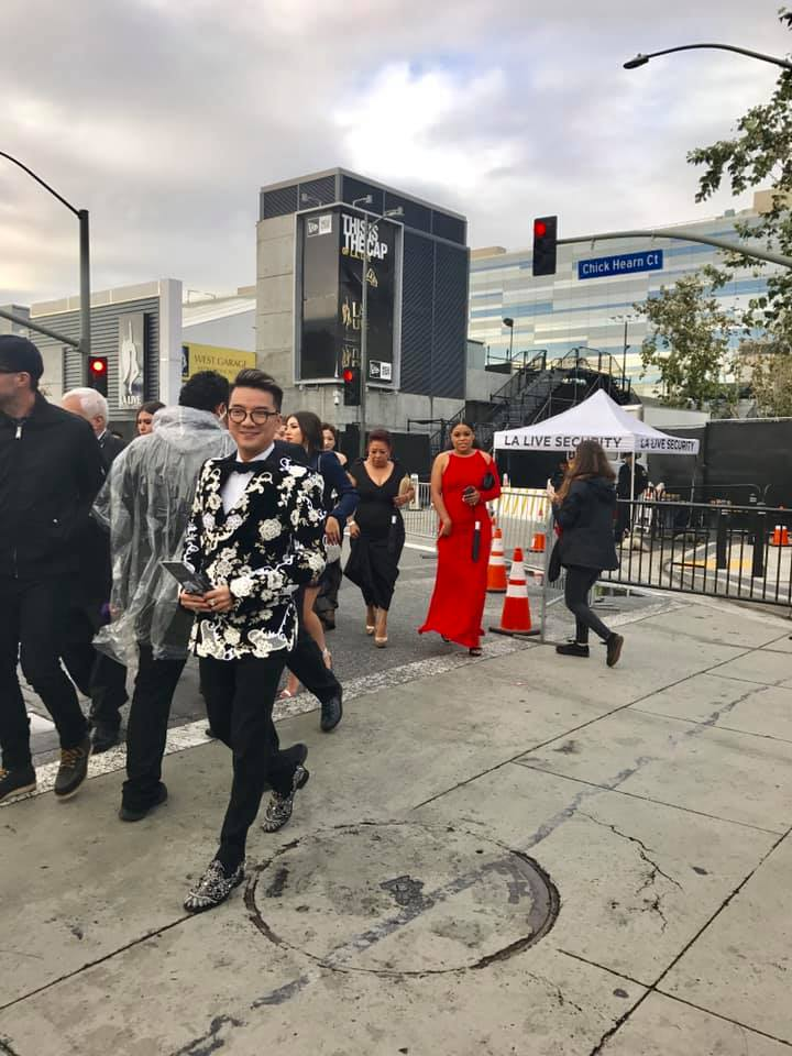 Đàm Vĩnh Hưng hào hứng lần đầu tiên dự lễ trao giải Grammy 2019 - Ảnh 1