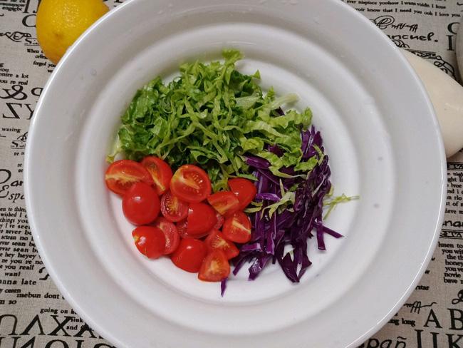 Bữa trưa tôi chỉ cần món salad này là đủ no đến chiều mà lại cực ngon - Ảnh 2