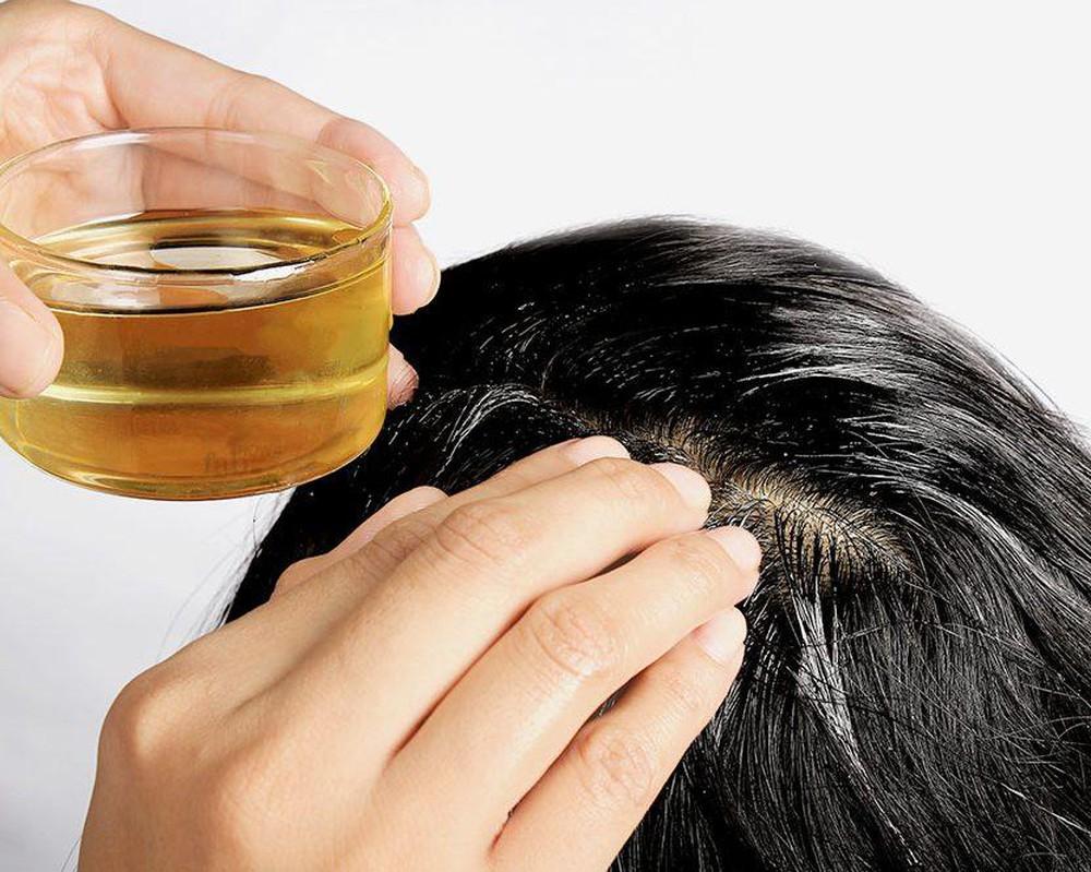 10 bí kíp chăm sóc tại nhà giúp phục hồi mái tóc gãy rụng, bạc sớm, khô xơ trở nên óng ả, bồng bềnh nhanh chóng - Ảnh 4