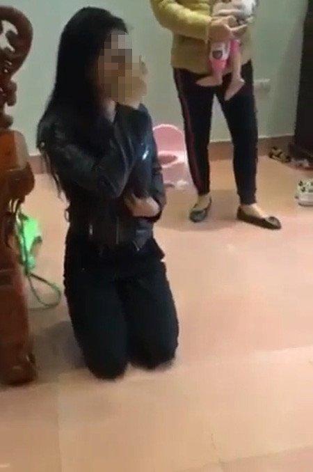 Vợ bị bồ nhí đánh ghen ngược, tạt dung dịch lạ vào mặt gây bỏng rát - Ảnh 2
