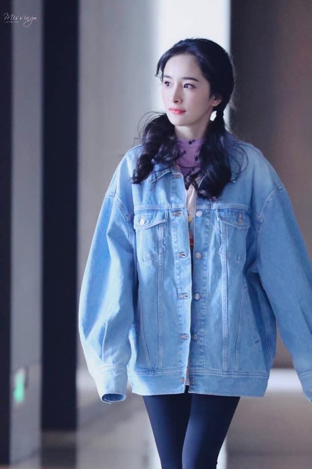 Giữa tin đồn có thai, Dương Mịch xinh như thiếu nữ nhưng để lộ bằng chứng quan trọng? - Ảnh 9