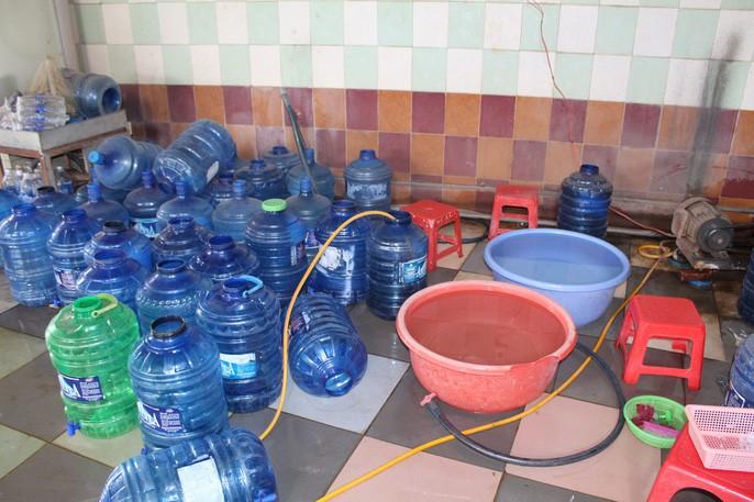 Kinh hãi công nghệ sản xuất nước uống đóng chai - Ảnh 2