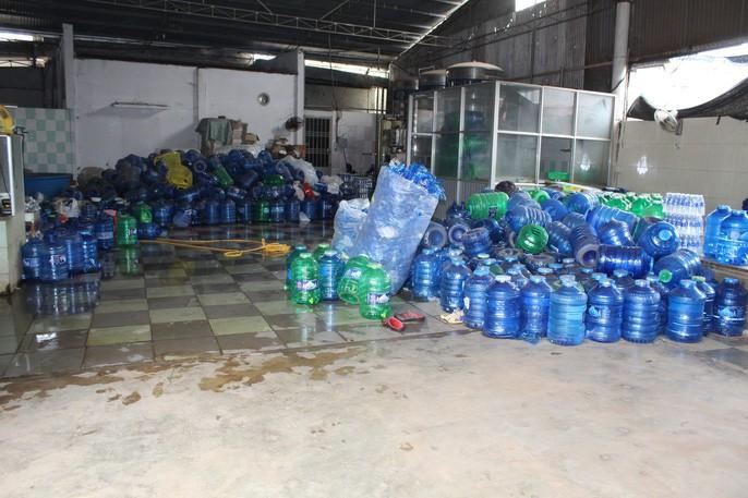 Kinh hãi công nghệ sản xuất nước uống đóng chai - Ảnh 4