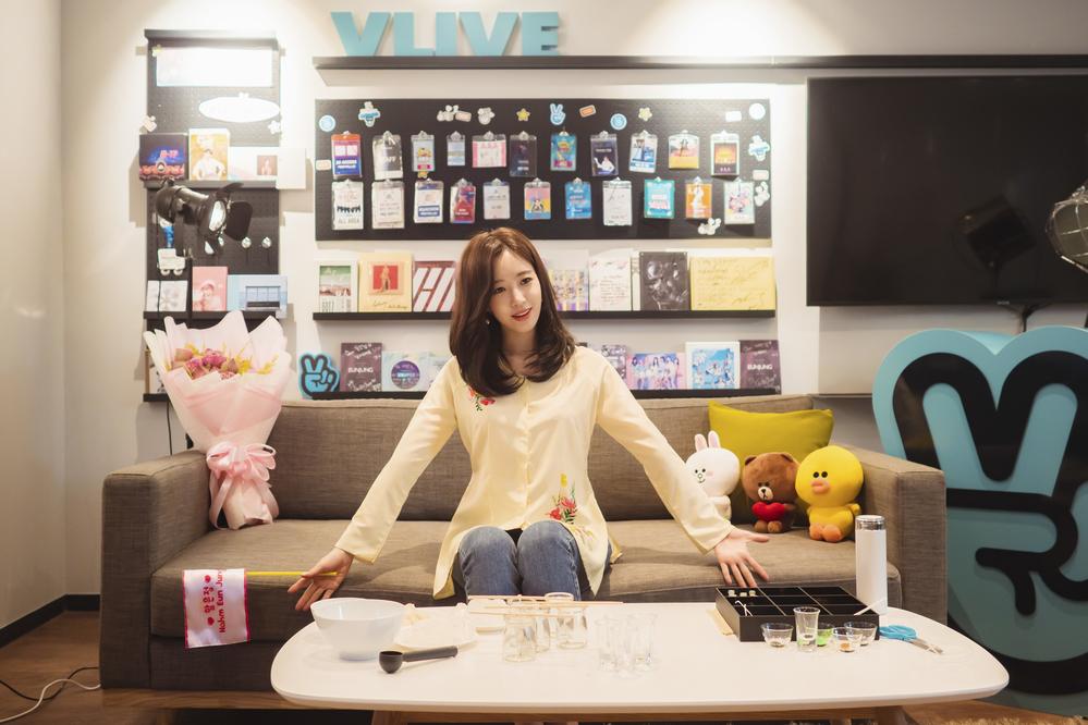 Mỹ nhân nhóm T-ara dịu dàng, đằm thắm như cô Tấm trong tà áo bà ba Việt Nam - Ảnh 3