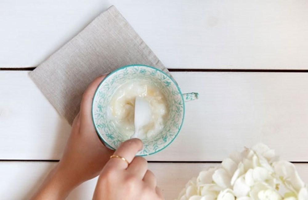 Mua sữa chua về ăn nhân tiện làm theo cách này để hô biến răng vàng khè hóa thành trắng sứ, hôi miệng không ai dám đứng gần cũng khỏi vĩnh viễn - Ảnh 3