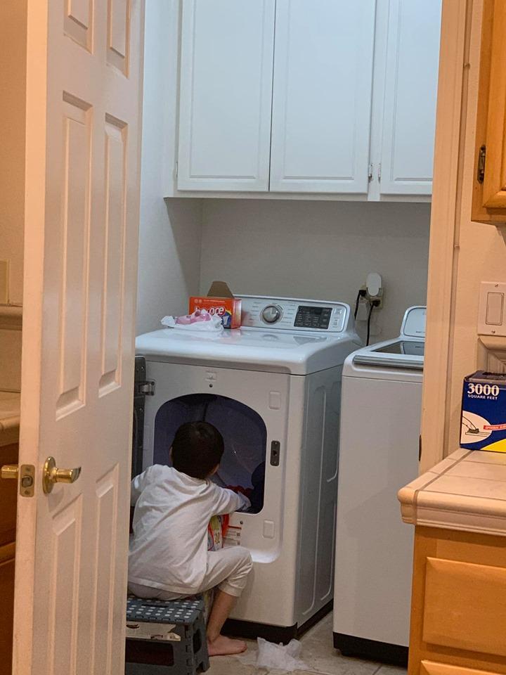 Mới 8 tuổi, con trai nuôi của Thanh Thảo đã thạo việc nấu nướng, giặt đồ, rửa chén, đi chợ... phụ mẹ - Ảnh 3