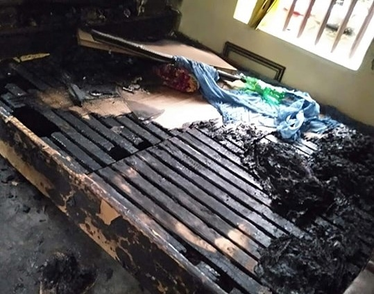 Vụ con gái tẩm xăng thiêu sống mẹ già ở Hà Nam: Người mẹ đã tử vong - Ảnh 2