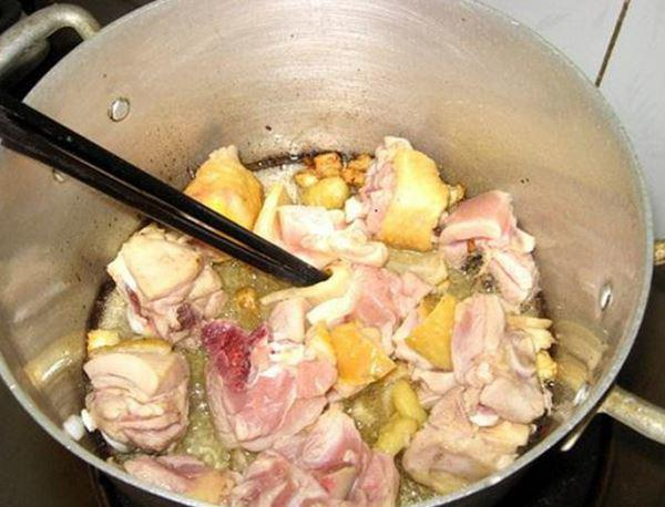 3 cách làm gà nấu lá giang ngon, ai ăn cũng phải xuýt xoa - Ảnh 2
