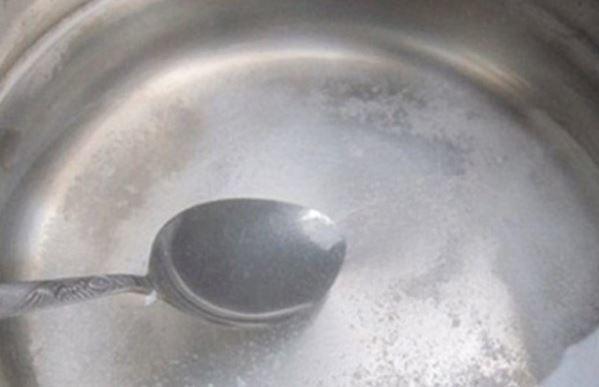 Cách muối dưa bắp cải rau cần ngon, giòn không cần dấm - Ảnh 2