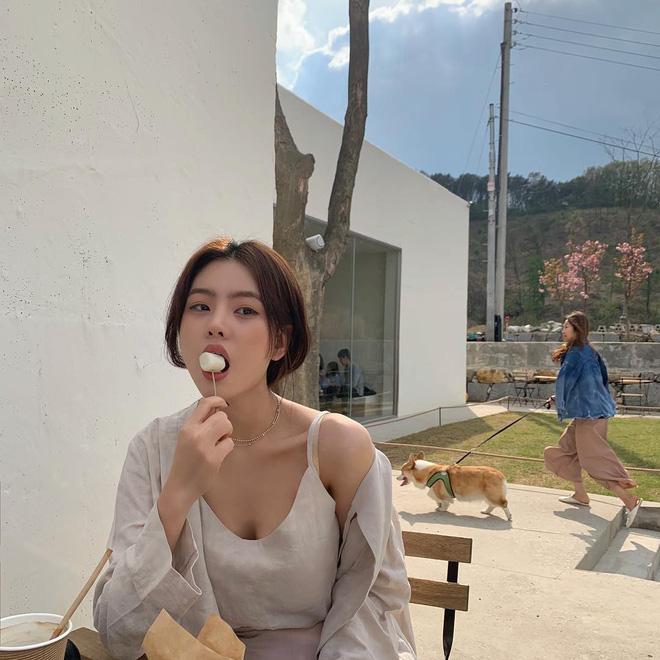 Mấy khi hè cũng như đông, các cô nàng hãy tranh thủ diện ngay 5 công thức xinh yêu đậm chất Hàn Quốc này - Ảnh 1