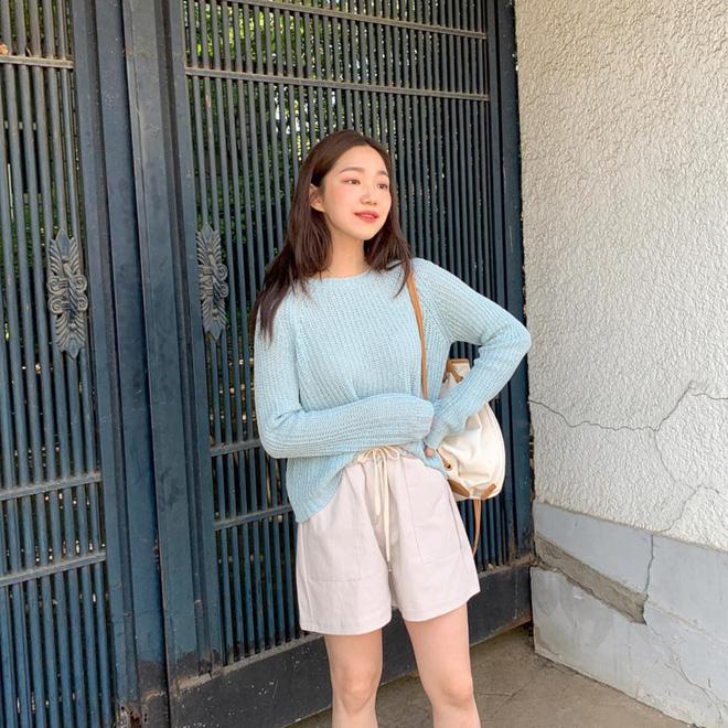 Mấy khi hè cũng như đông, các cô nàng hãy tranh thủ diện ngay 5 công thức xinh yêu đậm chất Hàn Quốc này - Ảnh 8
