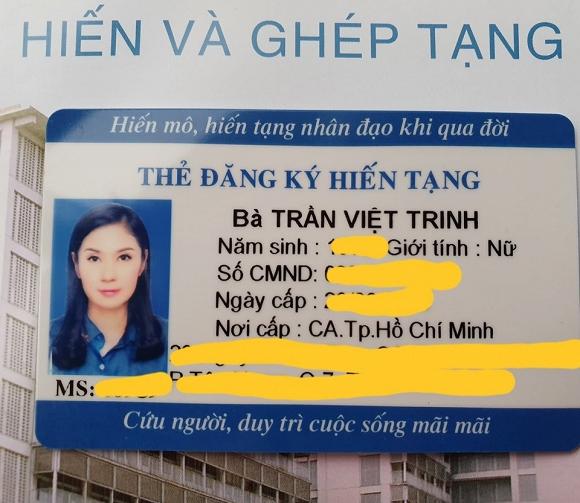 Vừa nhận thẻ đăng ký hiến tạng, Việt Trinh nghẹn ngào: 'Cám ơn Ba Mẹ đã cho con hình hài này' - Ảnh 1
