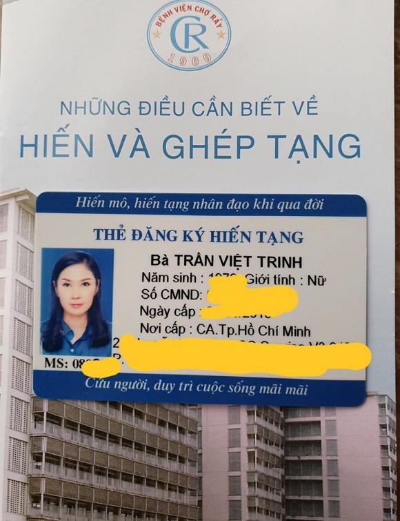Vừa nhận thẻ đăng ký hiến tạng, Việt Trinh nghẹn ngào: 'Cám ơn Ba Mẹ đã cho con hình hài này' - Ảnh 2