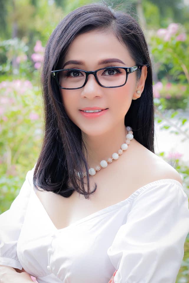 Vừa nhận thẻ đăng ký hiến tạng, Việt Trinh nghẹn ngào: 'Cám ơn Ba Mẹ đã cho con hình hài này' - Ảnh 3