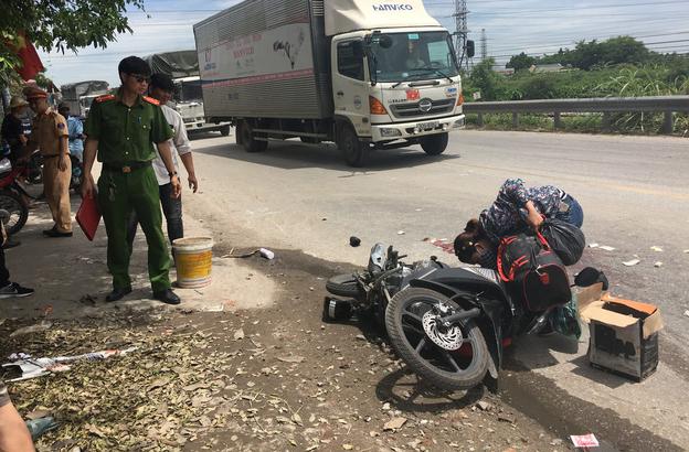 Tai nạn khiến nam thanh niên tử vong tại chỗ: Em trai thất thần ngồi bên vệ đường khóc thương anh ruột - Ảnh 3