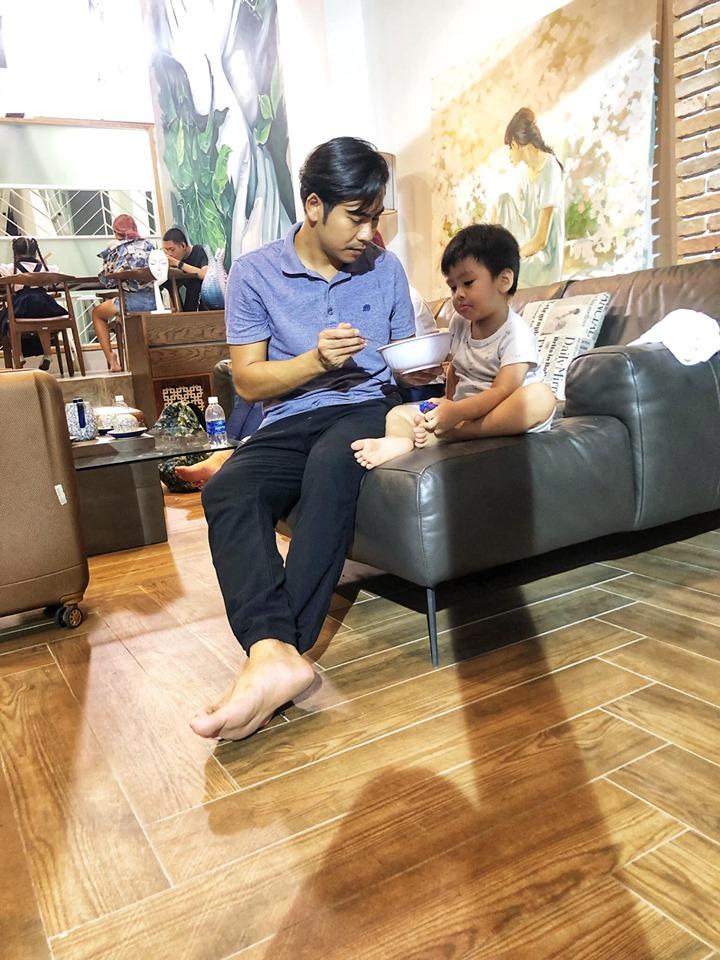 Bận bù đầu vẫn chăm con cực khéo, Thanh Bình khiến dân mạng phải thốt lên 'ông bố của năm' đây rồi - Ảnh 4