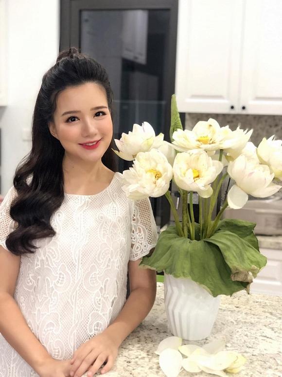 MC Minh Trang VTV mang thai lần 4, chính thức nhập hội 'những sao Việt đông con nhất Vbiz' - Ảnh 8