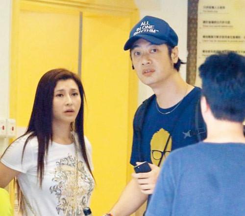 Mỹ nhân Hong Kong 2 lần cắt cổ tay tự tử vì bị ếm ngải ở Thái giờ nhan sắc tàn tạ, có dấu hiệu tâm thần tuổi xế chiều - Ảnh 2