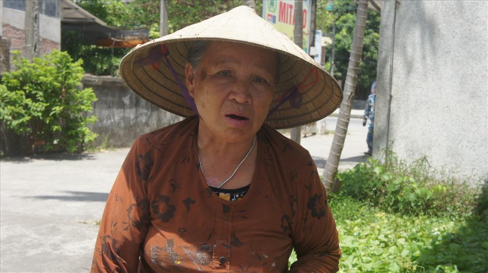 Cảm thương cụ bà 67 tuổi cần mẫn nhặt ve chai nuôi chồng chạy thận - Ảnh 5
